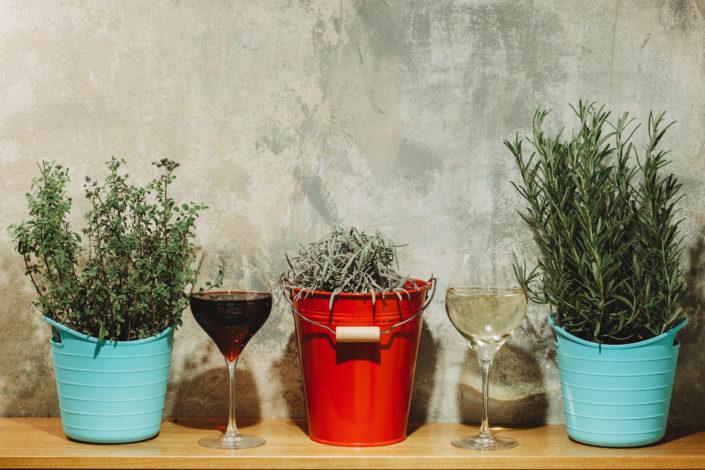 Bicchieri di vino in Vineria